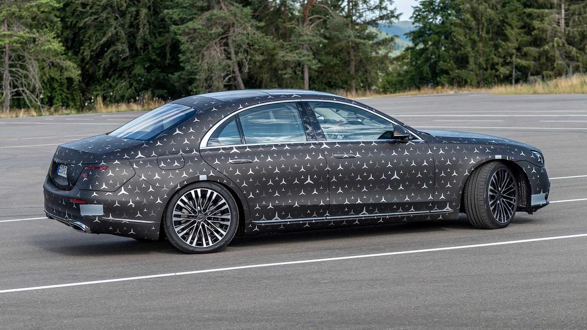 Будущий Mercedes S-класса: шасси и безопасность