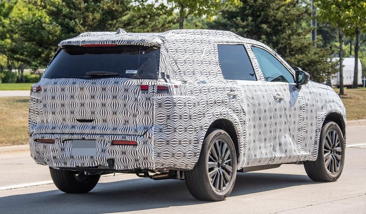 Фотошпионы подловили Nissan Pathfinder следующего поколения