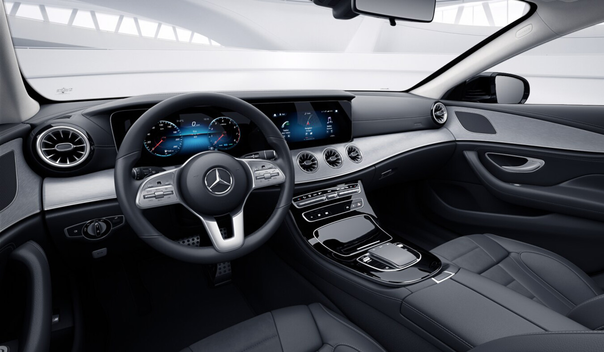 The CLS was one of the last models to get the old Comand multimedia system, as the more modern MBUX system debuted on the new A-class in early 2018