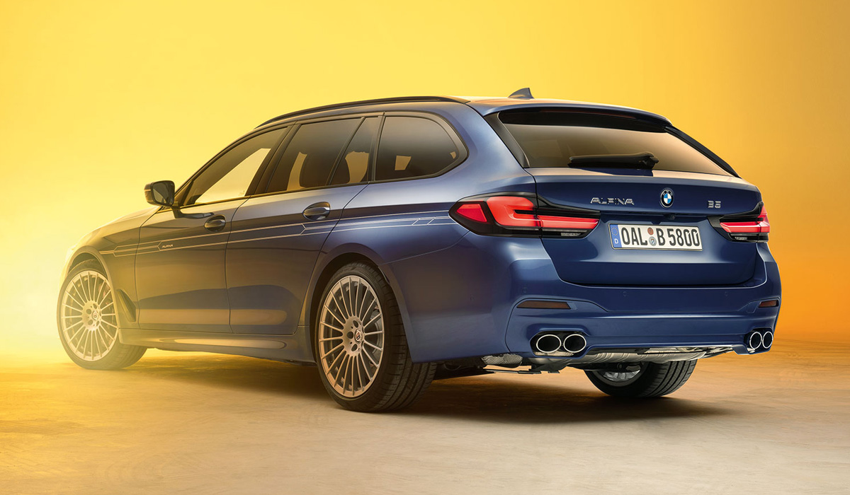 The BMW Alpina D5 s diesel models also retained the previous six-cylinder 3.0 diesel with three turbochargers. Power increased from 388 to 408 HP at constant torque (800 Nm at 1750 rpm)