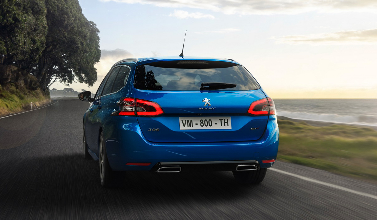 Prices for the updated Peugeot 308 start at 21,650 euros, and for the modification of the GTi will have to pay at least 39,100 euros. But without hybrid versions, a hatchback in Europe will have a hard time