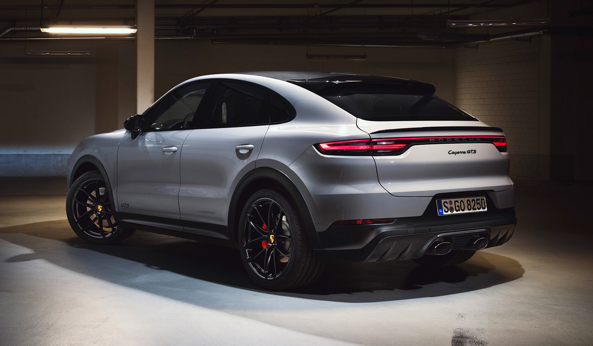 "The Cayenne GTS with both body styles has an exhaust system with four exhaust pipes: two on each side of the bumper. But for the GTS Coupe version, you can order a new ""loud"" release with two large pipes, offset to the center of the rear bumper. Later, this option will appear in the crossover Porsche Cayenne Turbo Coupe."