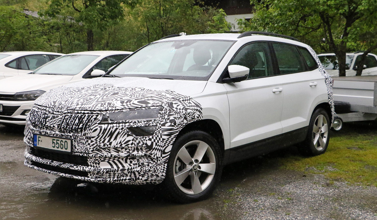 Apparently, in both cases, the update will affect the plastic body kit and optics — any other external differences are still difficult to see under the camouflage film. Despite the fact That kodiaq photospies got caught in the