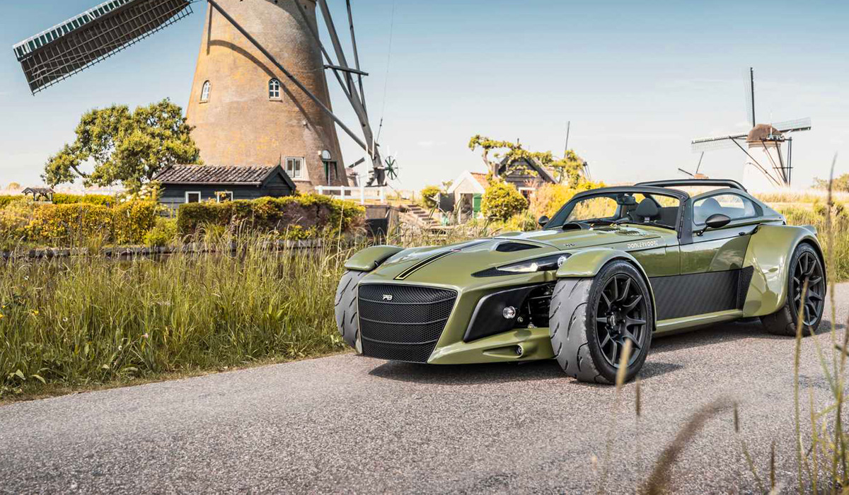 Last summer, the small Dutch company Donkervoort celebrated the 70th anniversary of its founder JOP Donkervoort, and on this occasion announced the anniversary Roadster D8 GTO-JD70