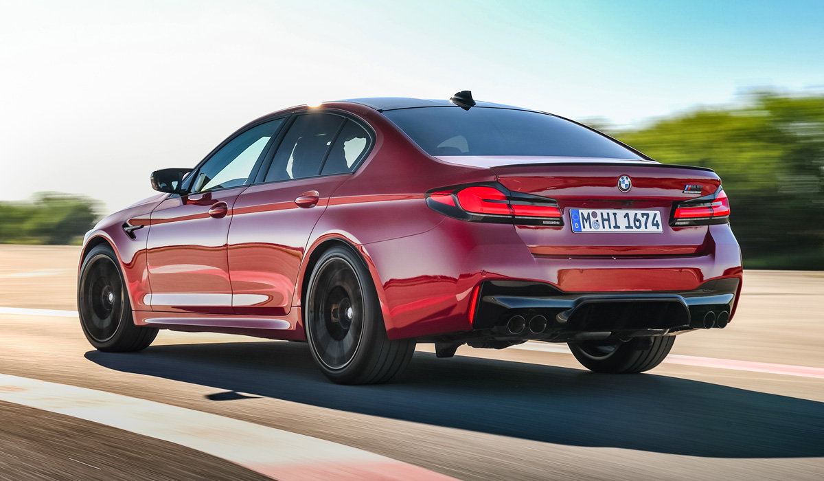 """The debut of the upgraded """"five"""" BMW took place less than a month ago, and the company has already shown the updated BMW M5 sedan, and at once in two versions-standard and extreme Competition."""
