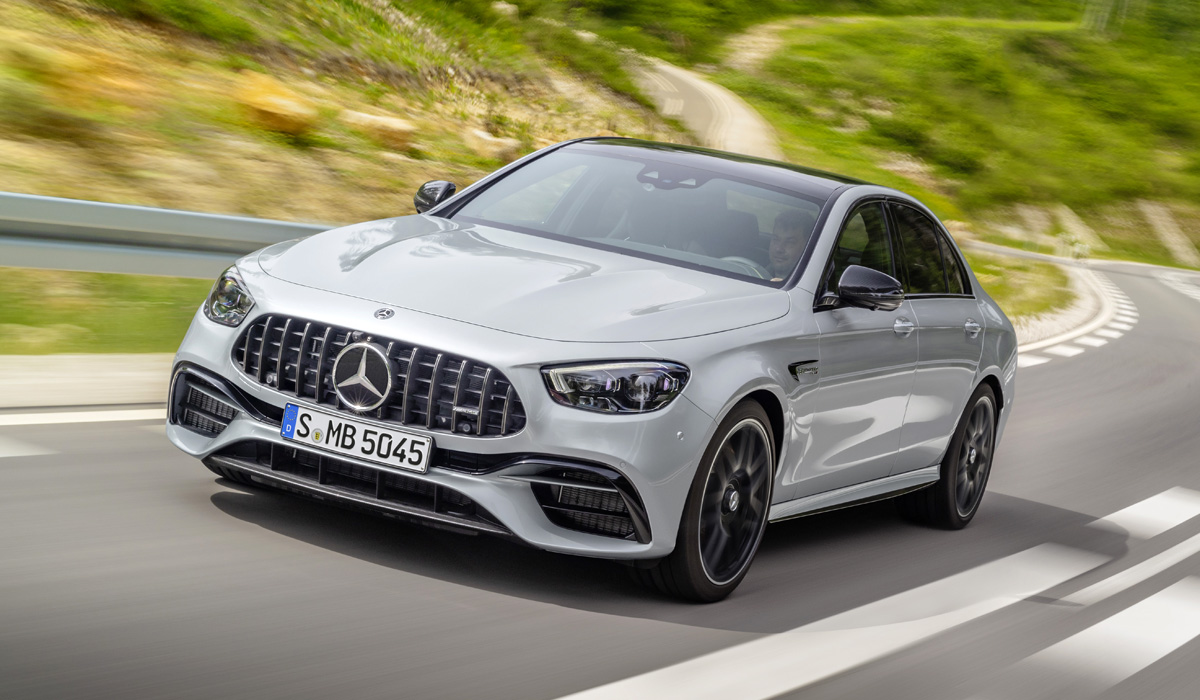 The most powerful versions complete the cycle of updating the Mercedes E-class, which began in March with the premiere of the restyled sedan and station wagon