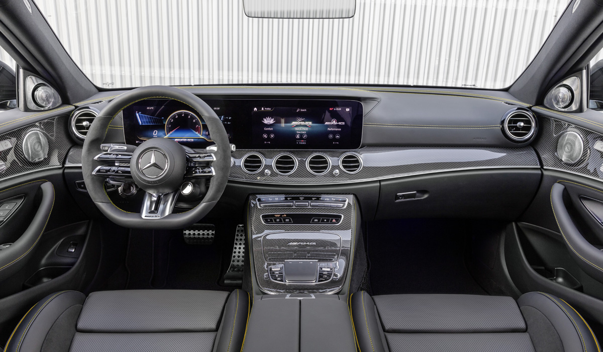 There are almost no technical changes. The V8 4.0 Biturbo engine on the Mercedes-AMG e 63 sedan and station wagon develops 571 HP and 750 Nm, and on the E 63 s versions produces 612 HP and 850 Nm