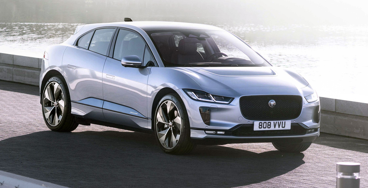 With the I-Pace electric car, Jaguar moved away from the traditional canons of the automotive industry and went the way of Tesla, not tying small improvements to the