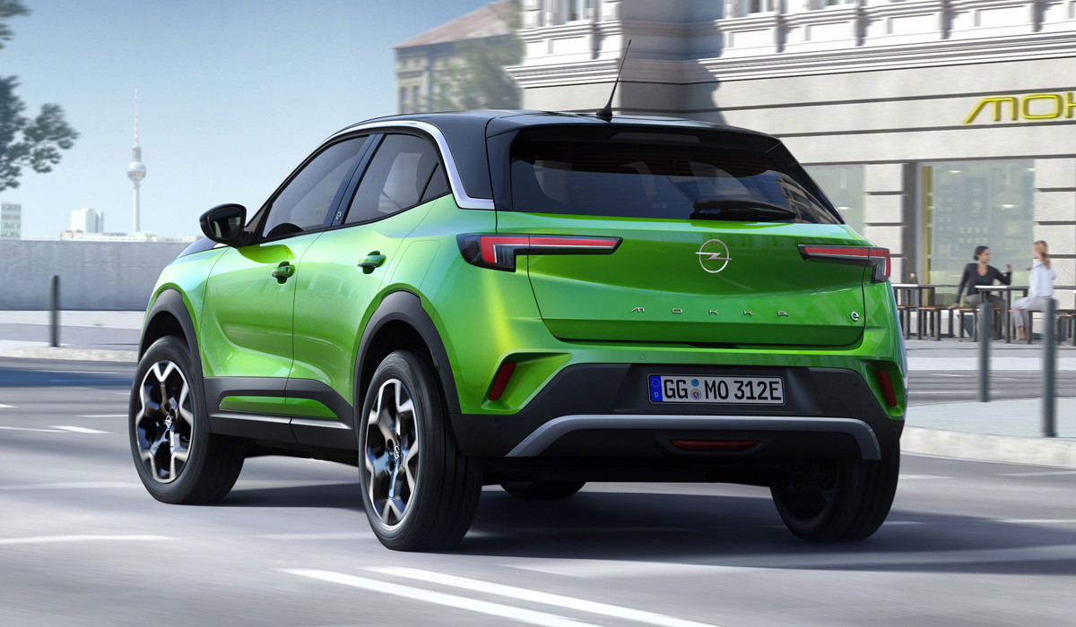 """The new Mokka lost the clueless prefix X, which appeared after the 2016 facelift (such cars did not reach Russia). But now it is not """"average"""", but """"Junior"""" parquet in the range: with the change of generation, the length"""
