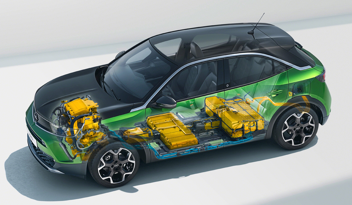 So far, only the electric Mokka-e is presented: the CMP platform was originally designed for creating battery-powered machines. All the equipment is the same as the related hatchback Corsae