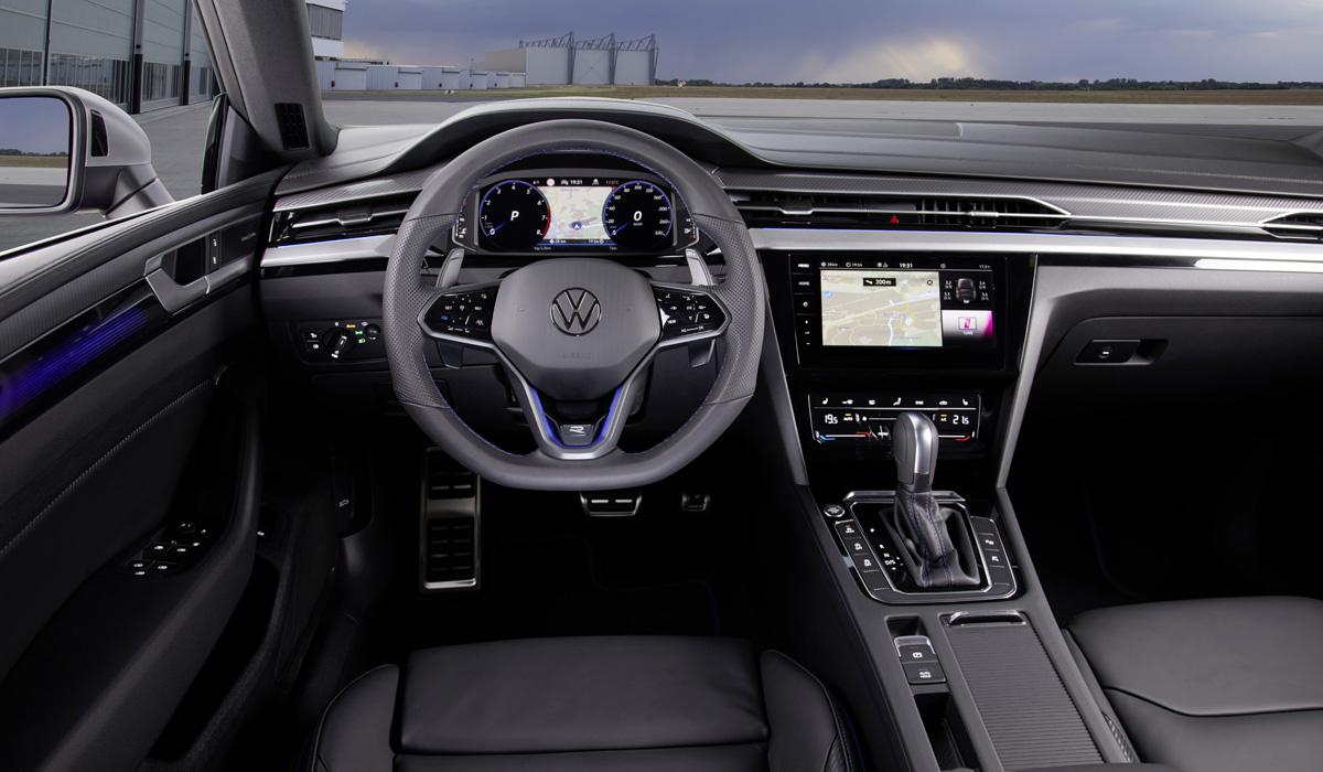 «Заряженный» Volkswagen Arteon R: 320 сил и электроника