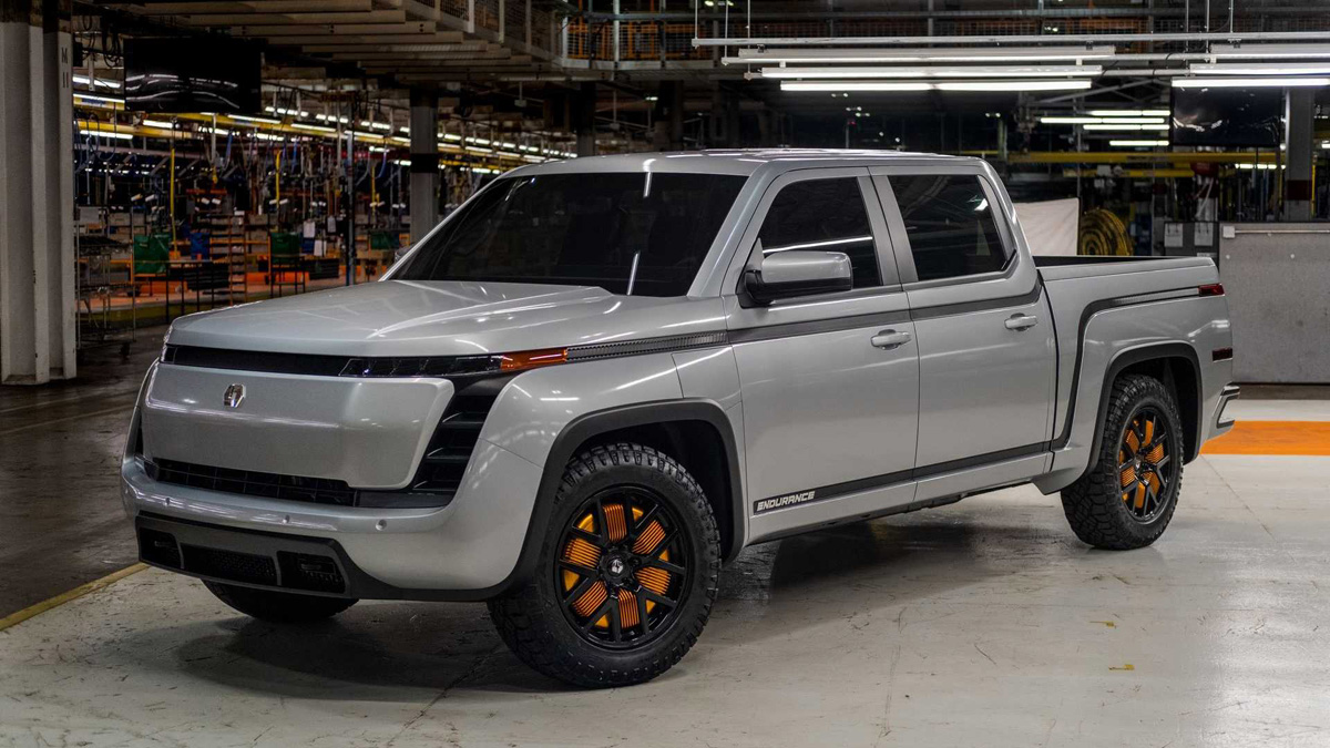 But the company Lordstown Motors will have almost a year of head start, because the start of sales is scheduled for the beginning of 2021, while Cybertruck is promised to bring to the market only by the end of the year. The goal of Lordstown is to produce 20,000 cars next year. Moreover, it is stated that 14 thousand orders have already been accepted, although the company did not report on collecting deposits.