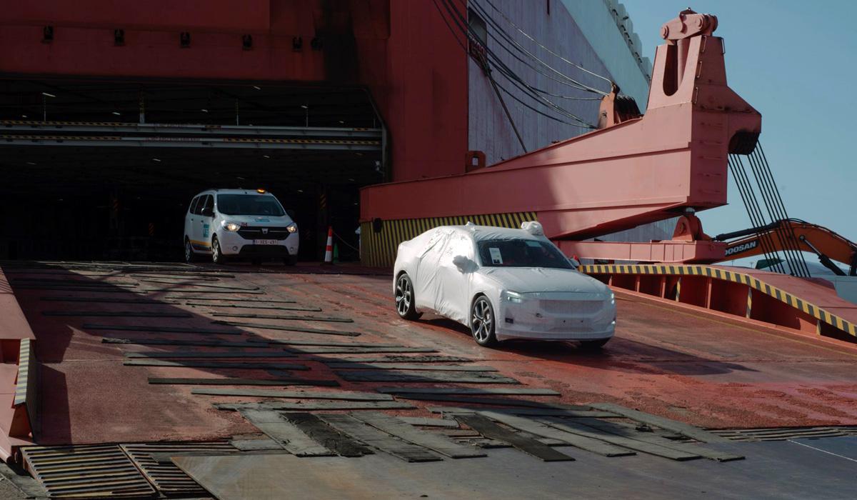 Электромобили Polestar 2 начали поставлять из Китая в Европу