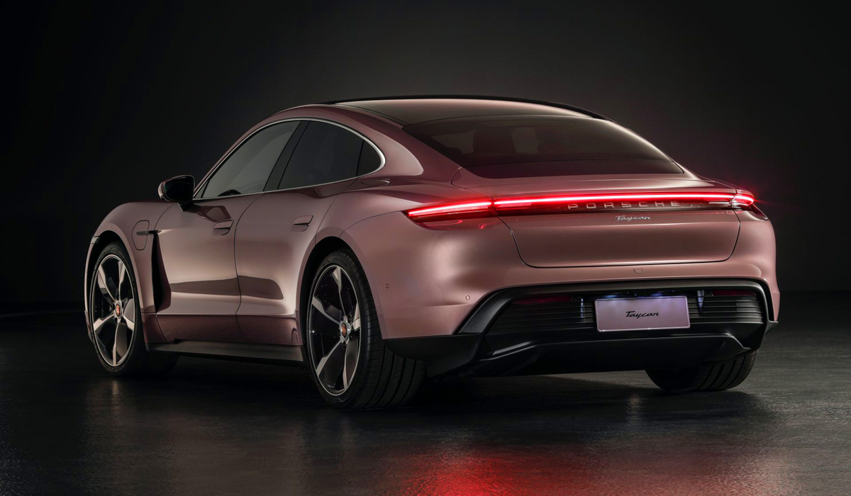 Until now, the electric Porsche Taycan was only available in two-engine versions with all-wheel drive