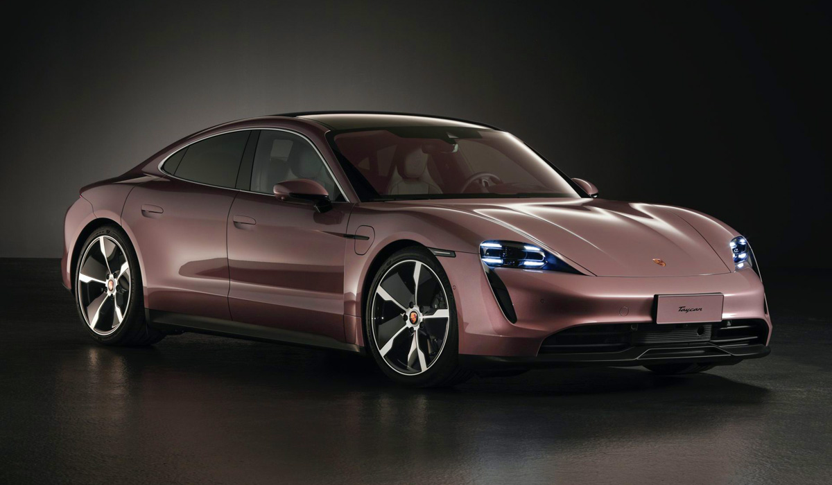 The starting price for the basic Porsche Taycan in China is 888 thousand yuan (about 125 thousand dollars). For comparison, the 4S version on the local market will have to pay at least 1 million 148 thousand yuan,