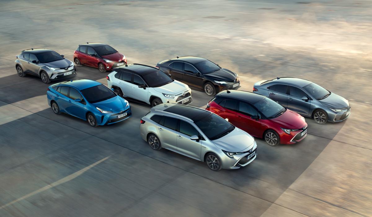 Дайджест дня: обрушение мирового рынка, 15 млн гибридов Toyota и другие события индустрии
