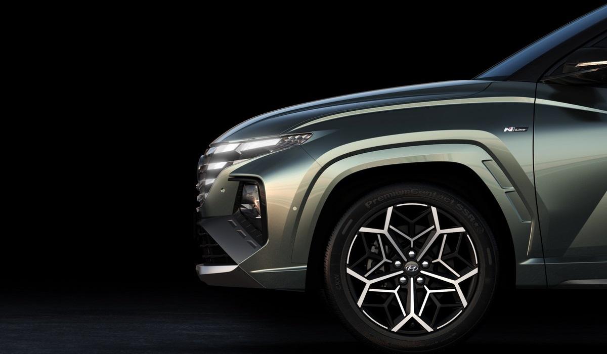 Новый Hyundai Tucson N Line и «заряженная» Elantra N засветились на тизерах перед своей премьерой