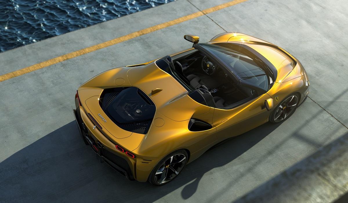 Ferrari SF90 Spider: флагман имеет 10000 сил и жесткая складная крыша, вместо мягкого верха...