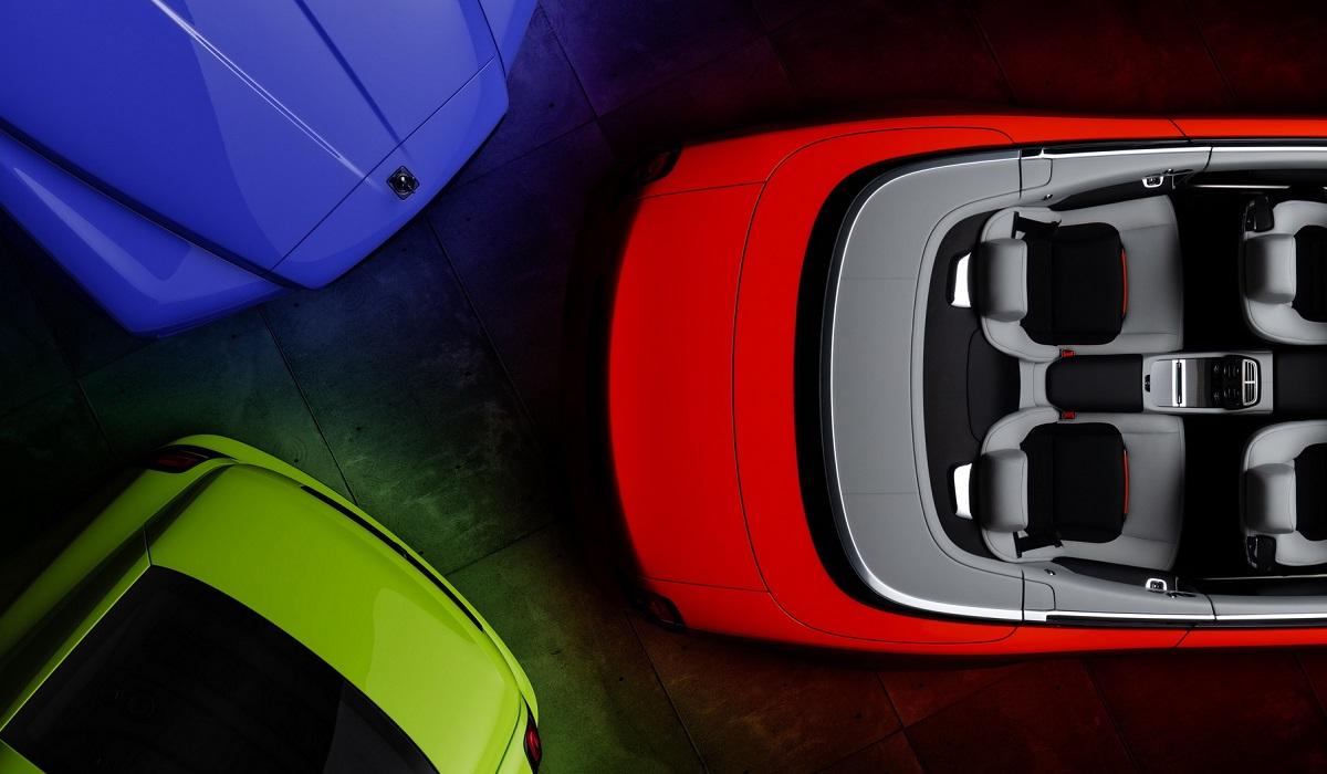 Rolls-Royce представил линейку моделей в новых неоновых цветах