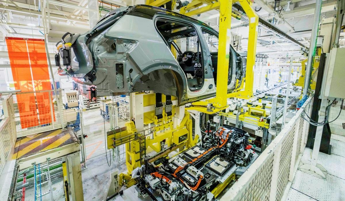 Электрический Volvo XC40 Recharge добрался до конвейера