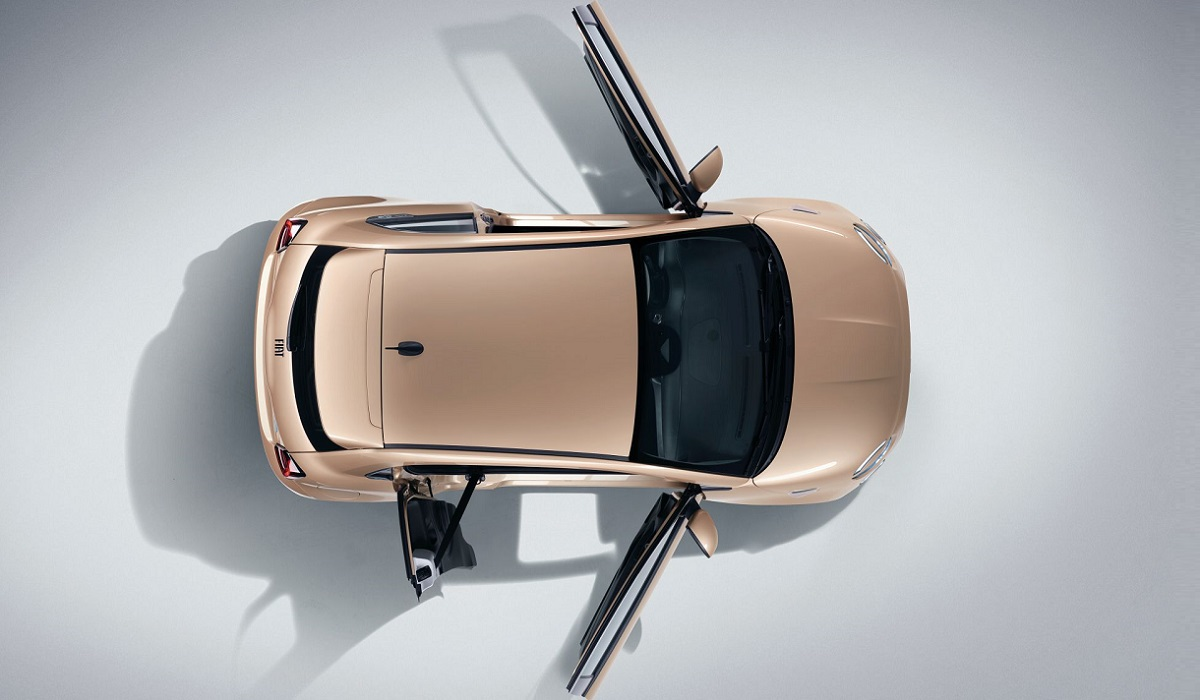 Электрический хэтчбек Fiat 500 обзавелся версией «3+1»