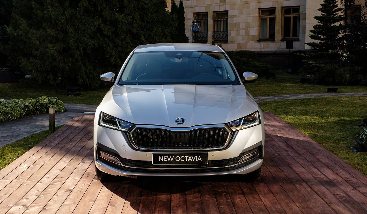 Новая Skoda Octavia: цены в России и пока только один мотор