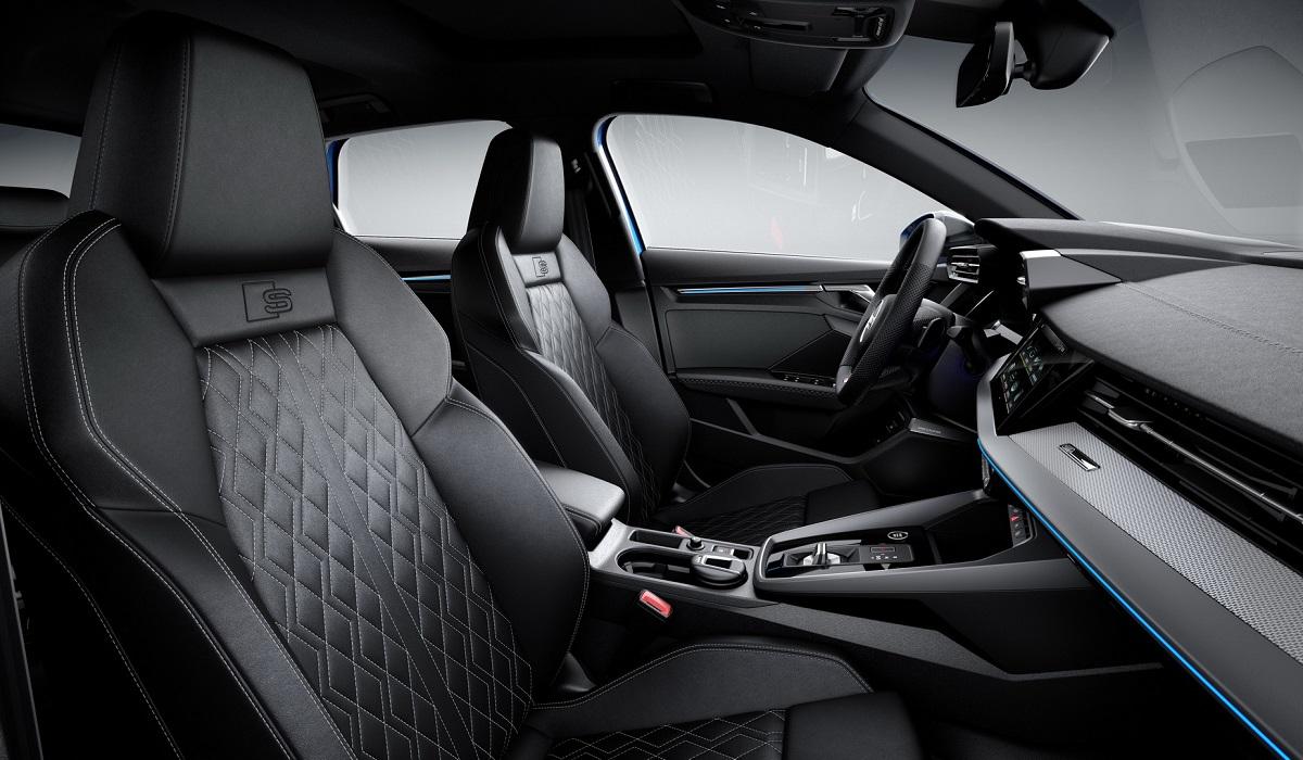 Новый хэтчбек Audi A3 Sportback 40 TFSI e, имеет передний привод и стал подзаряжаемым гибридом