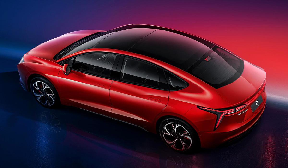Renault и Jingliang показали седан Yi для каршеринга