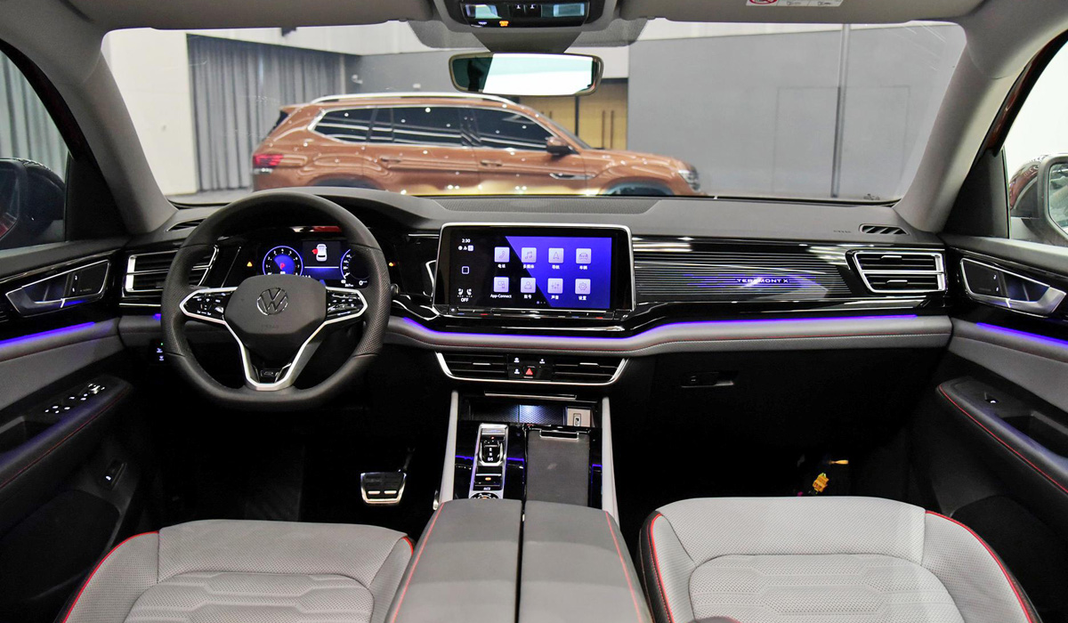 Китайский большой кроссовер Volkswagen Teramont обновлен масштабнее американского