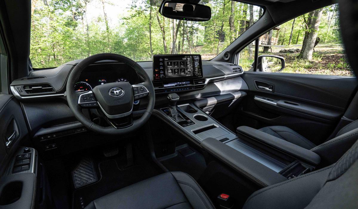 Минивэн Toyota Sienna Woodland для вылазок на природу