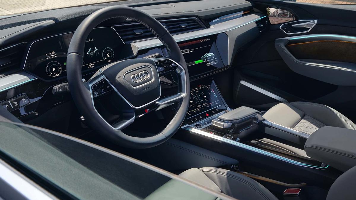 До России добрался купеобразный кроссовер Audi e-tron Sportback