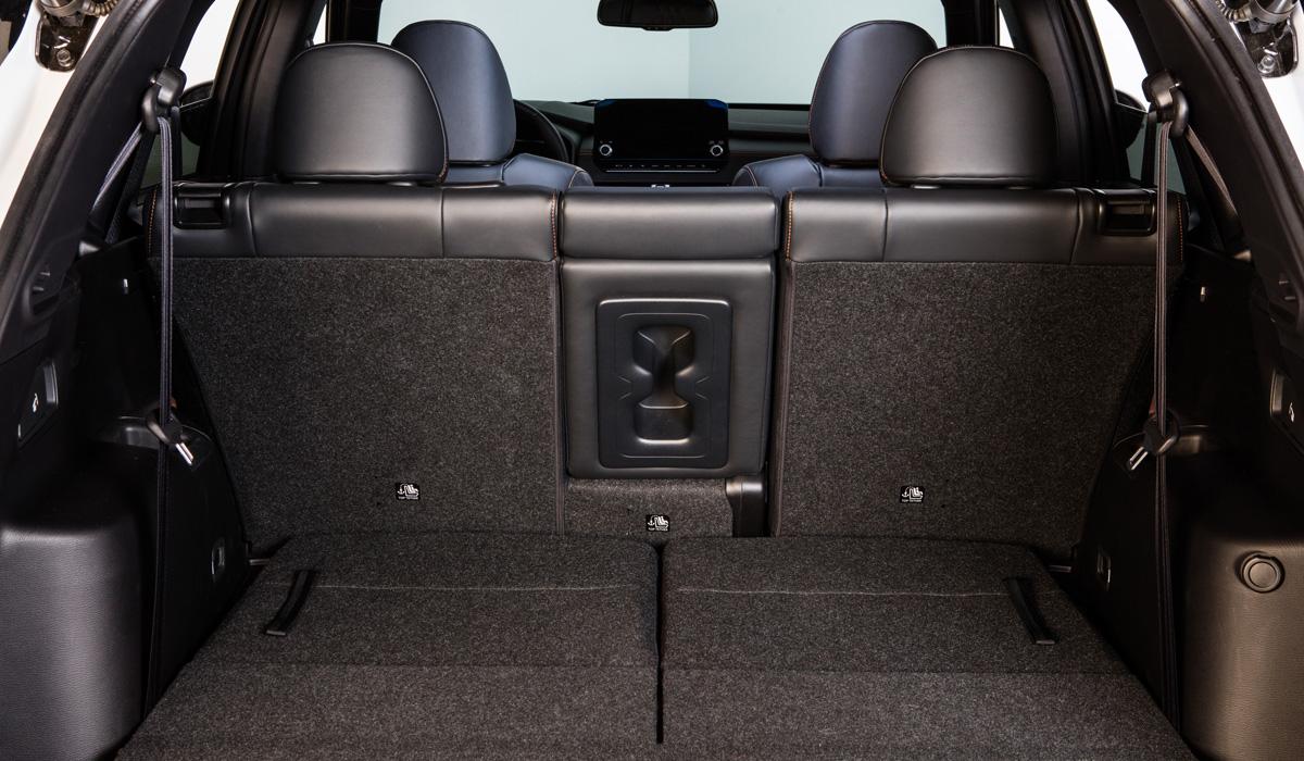 mitsubishi outlander 11 - Представлен кроссовер Mitsubishi Outlander нового поколения
