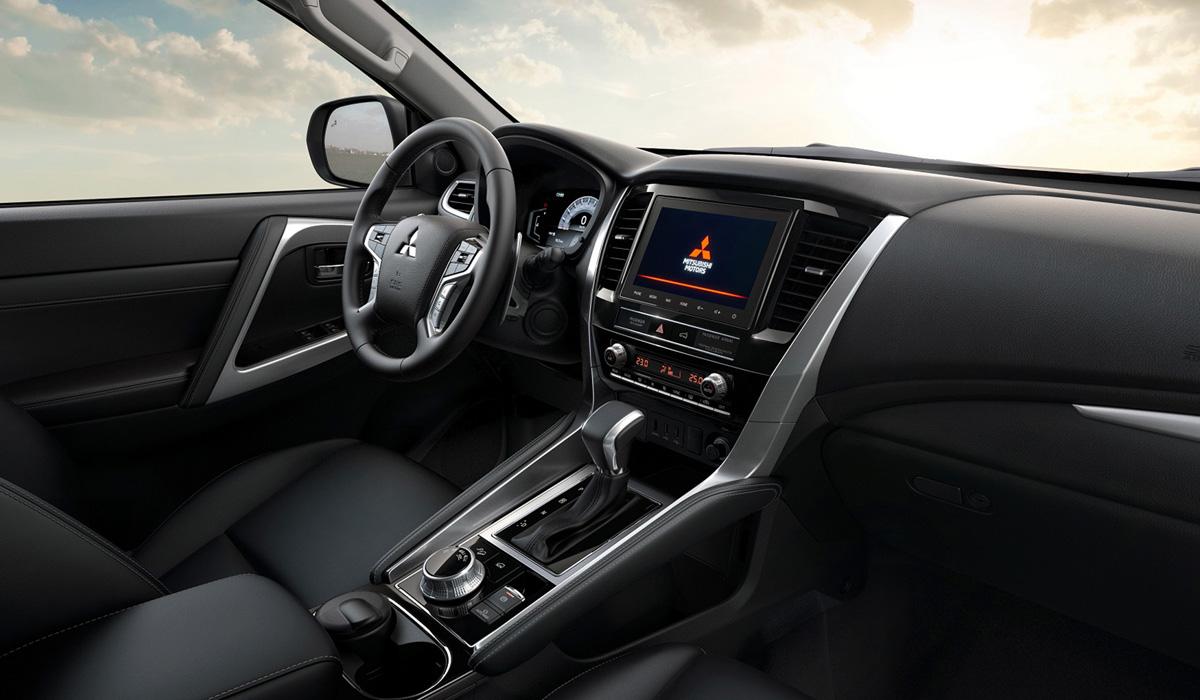 Обновленный Mitsubishi Pajero Sport: версии для России