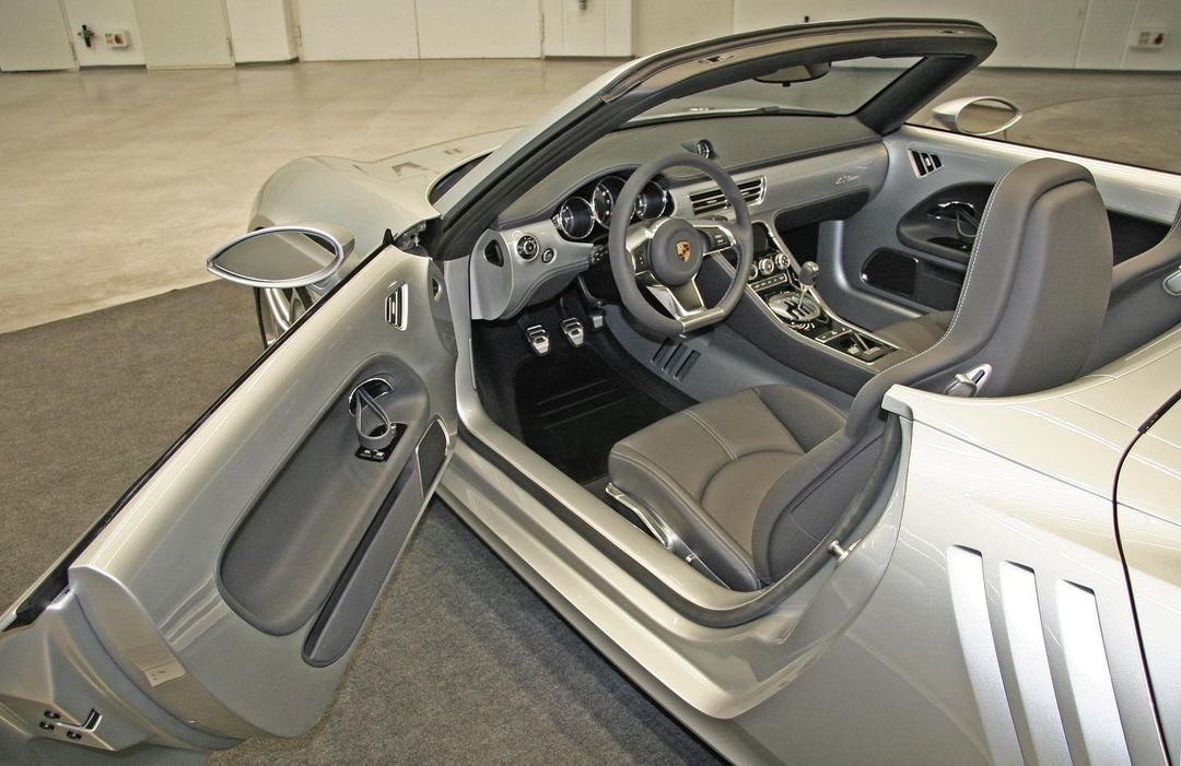 Вальтер де Сильва рассекретил родстер Porsche 55One