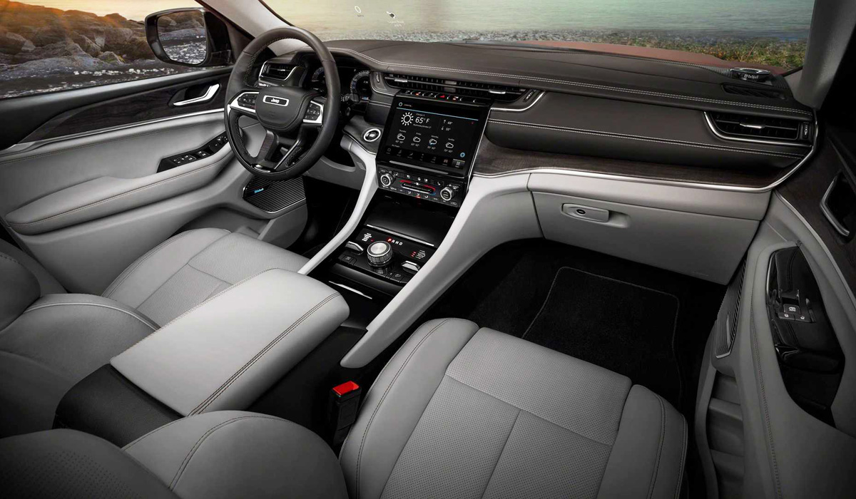 Представлен Jeep Grand Cherokee новой серии WL с тремя рядами сидений