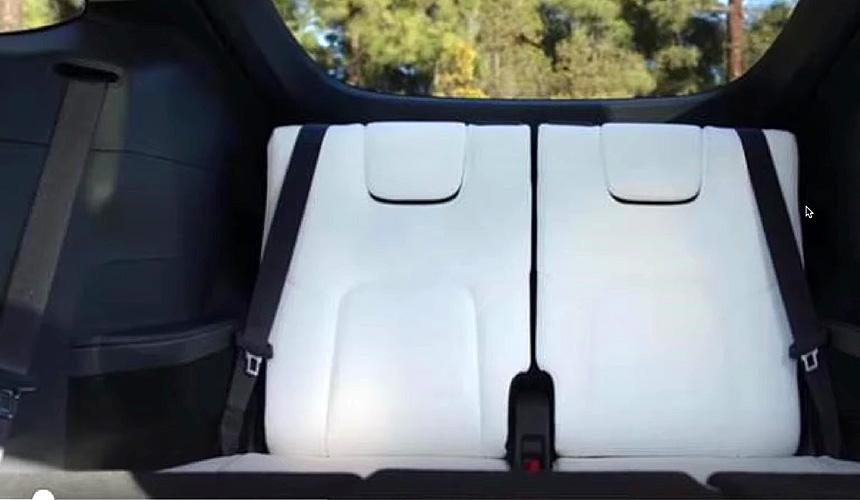 Электрический паркетник Tesla Model Y: базовая версия и успех в Китае
