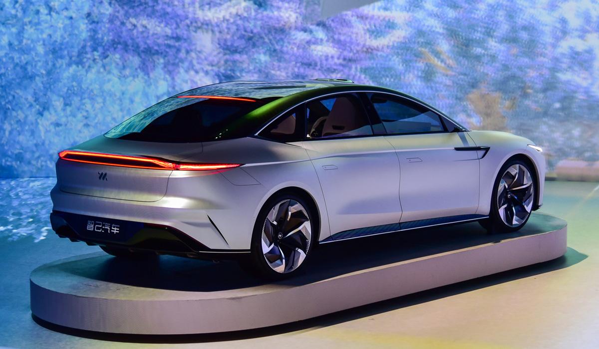 im sedan2 - Концерн SAIC представил электромобили под новой маркой IM