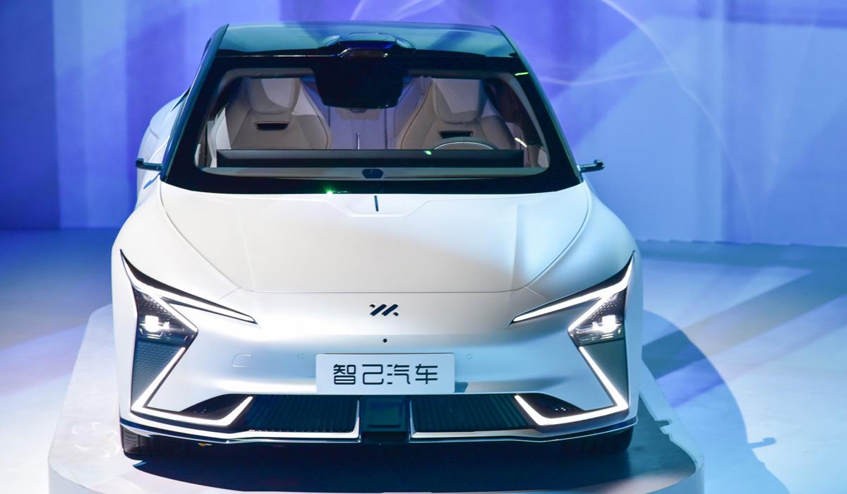 im sedan5 - Концерн SAIC представил электромобили под новой маркой IM