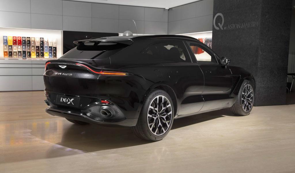 В России начались продажи кроссоверов Aston Martin DBX