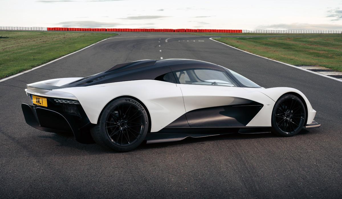 Один из ранних прототипов купе Aston Martin Valhalla