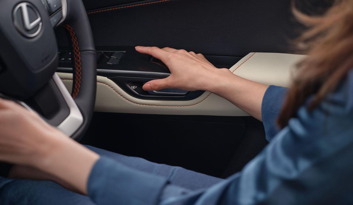 Кроссовер с уздечкой: представлен Lexus NX нового поколения