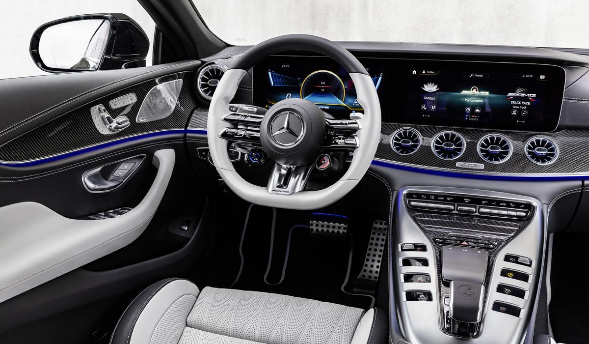 Лифтбек Mercedes-AMG GT перенес модное обновление