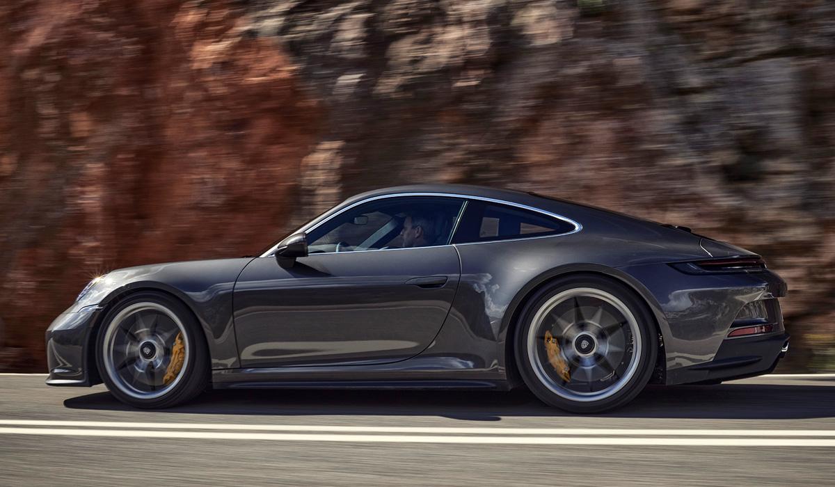 Для экстремального Porsche 911 GT3 предложен «туристический пакет»