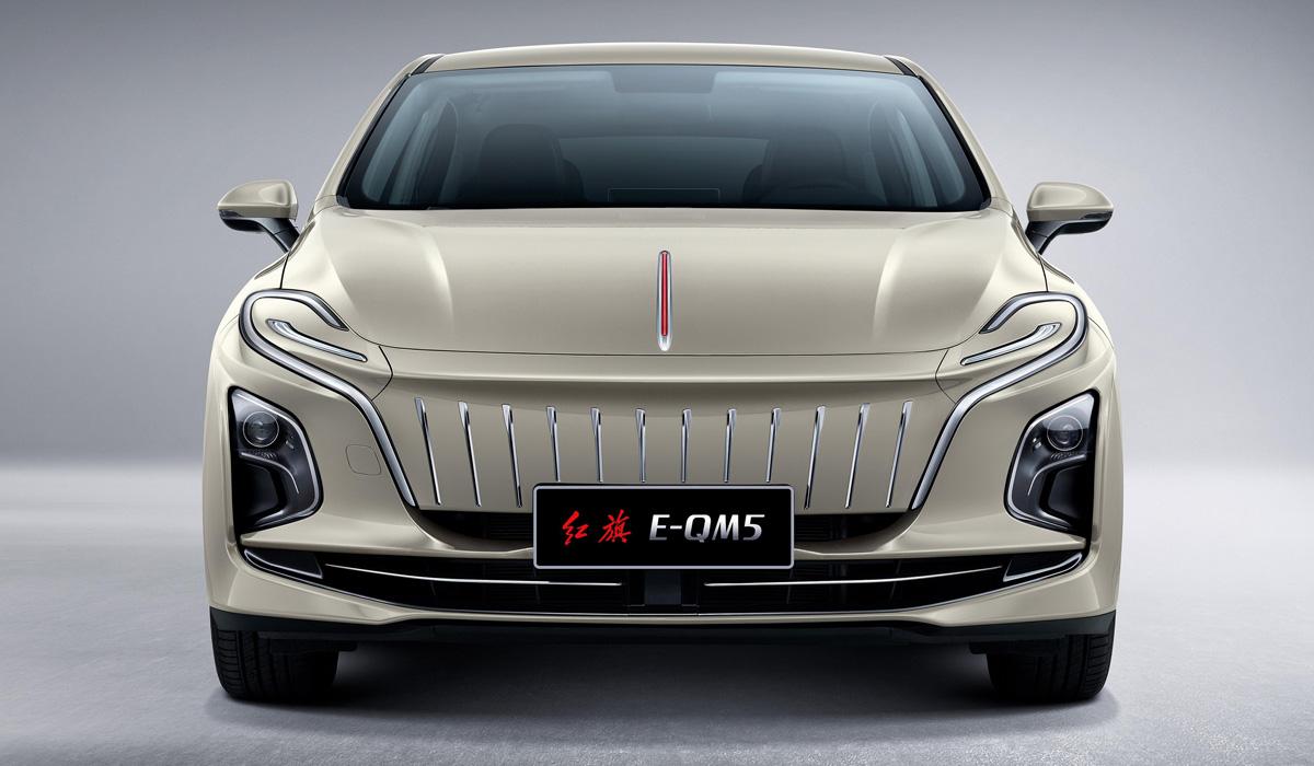 Большой седан Hongqi E-QM5 оказался полон противоречий