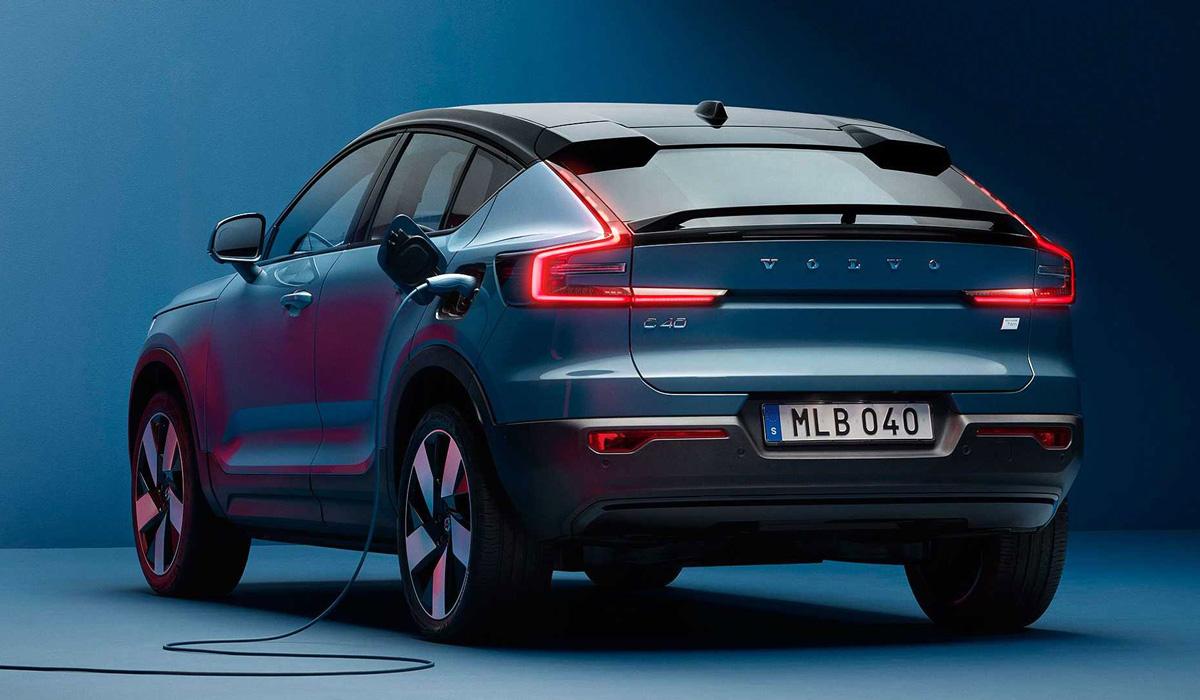 Больше индивидуальности: представлен купеобразный кроссовер Volvo C40