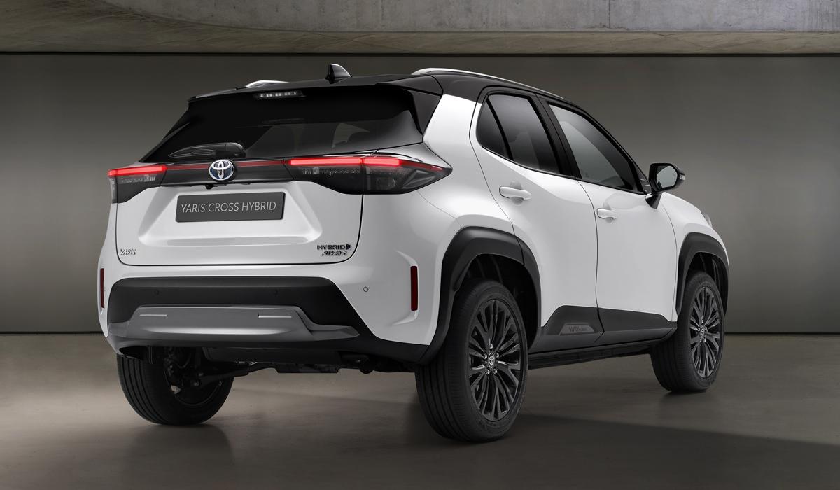У паркетника Toyota Yaris Cross появилась версия Adventure