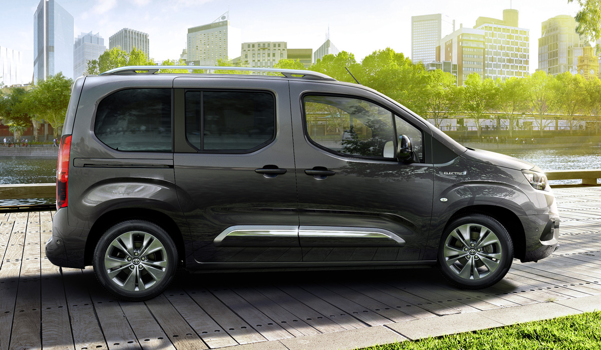 В семействе Toyota Proace City появились электромобили