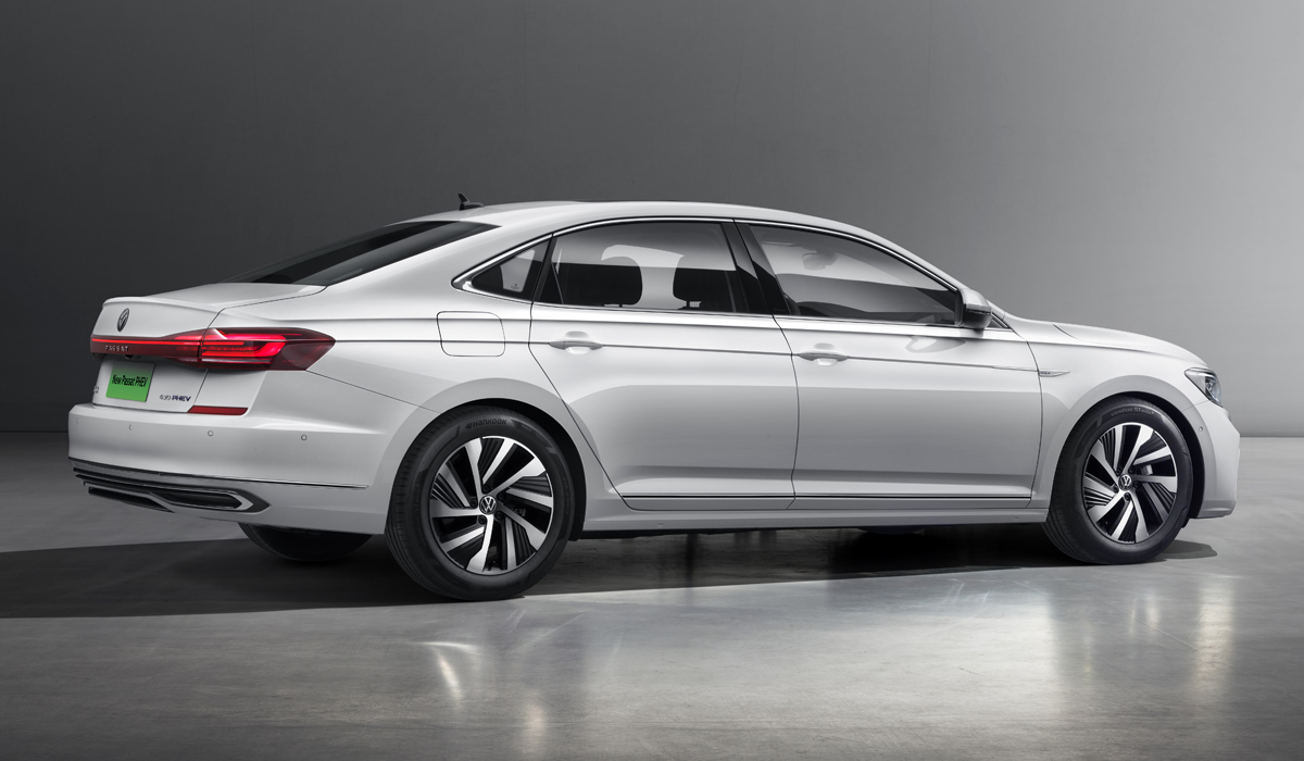 Самый крупный Volkswagen Passat обновлен еще раз