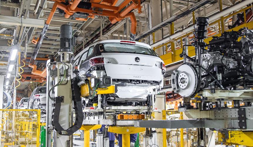 ГАЗ начал серийное производство кроссоверов Volkswagen Taos на одном конвейере с автомобилями Skoda