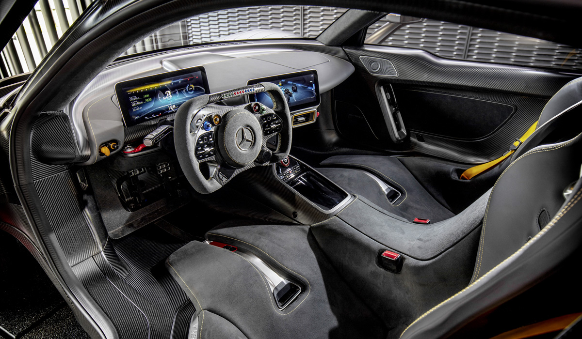 Гиперкар Mercedes-AMG One задержится до следующего года